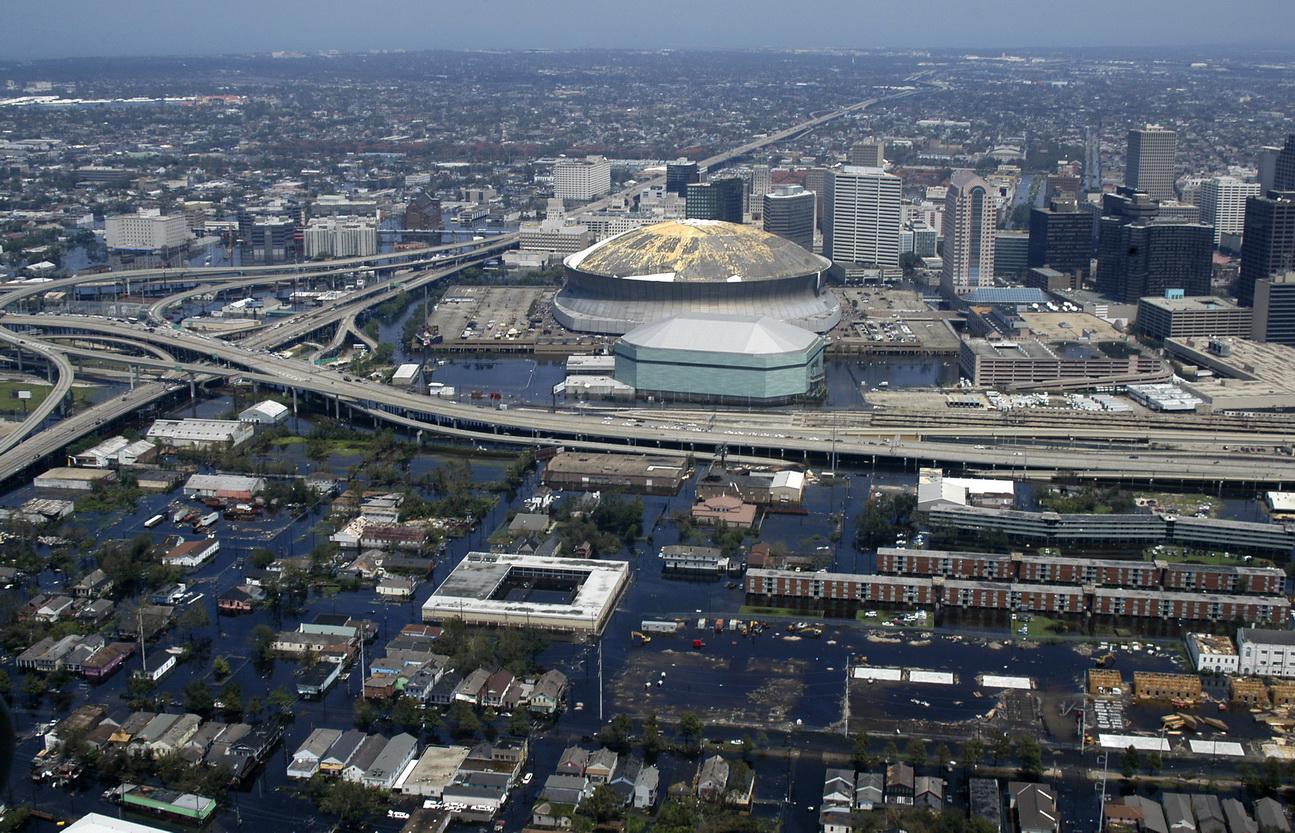 Das Foto zeigt die Stadt New Orleans nach dem Hurrikan Katrina. Wie Städte mit Überschwemmungen umgehen, zeugt von ihrer Resilienz.